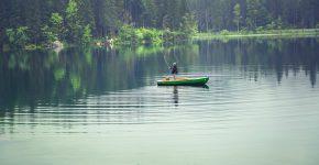 Fiske från en båt